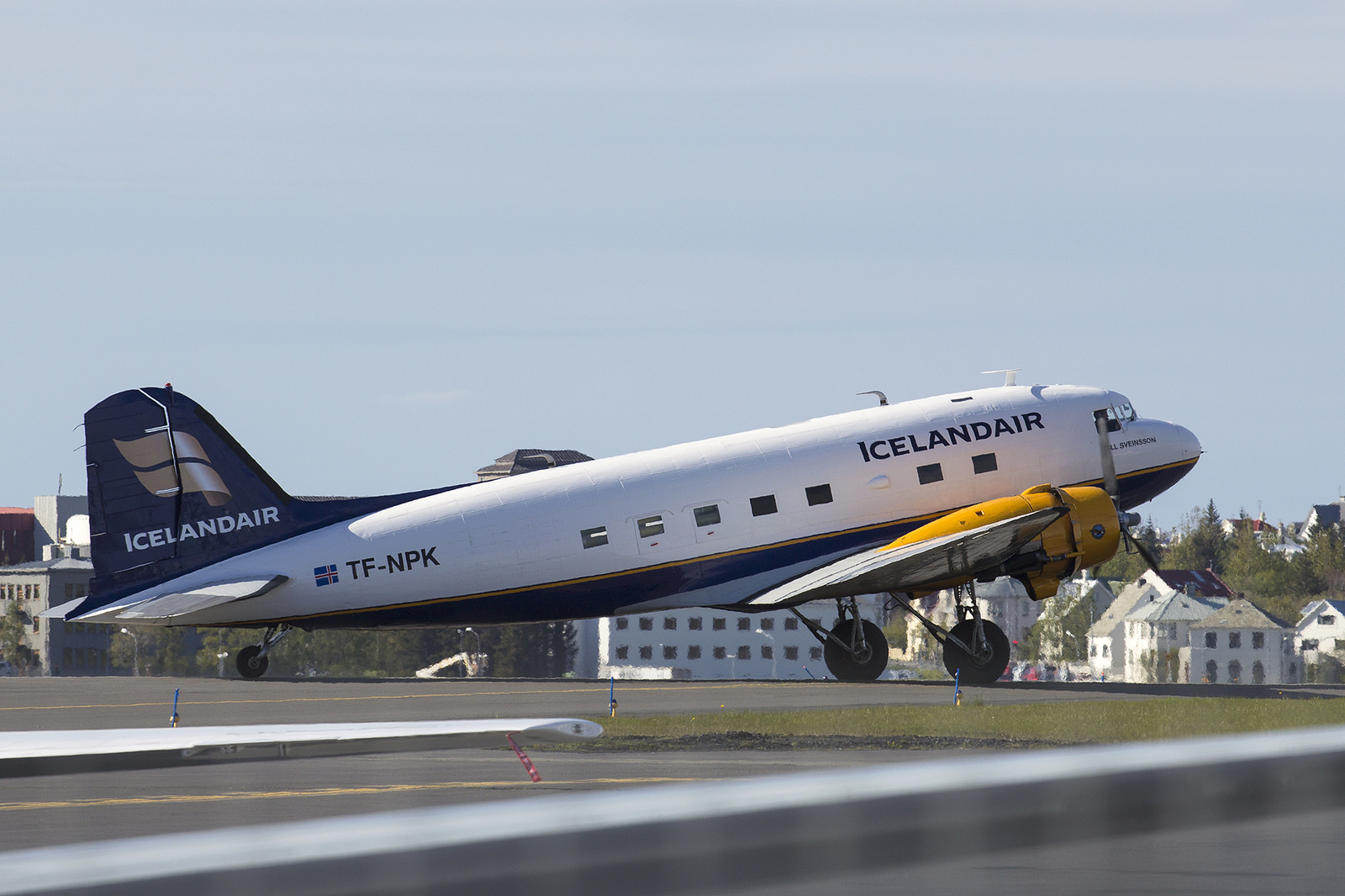 Douglas DC-3 reg. TF-NPK // Source: Karl Georg Karlsson
