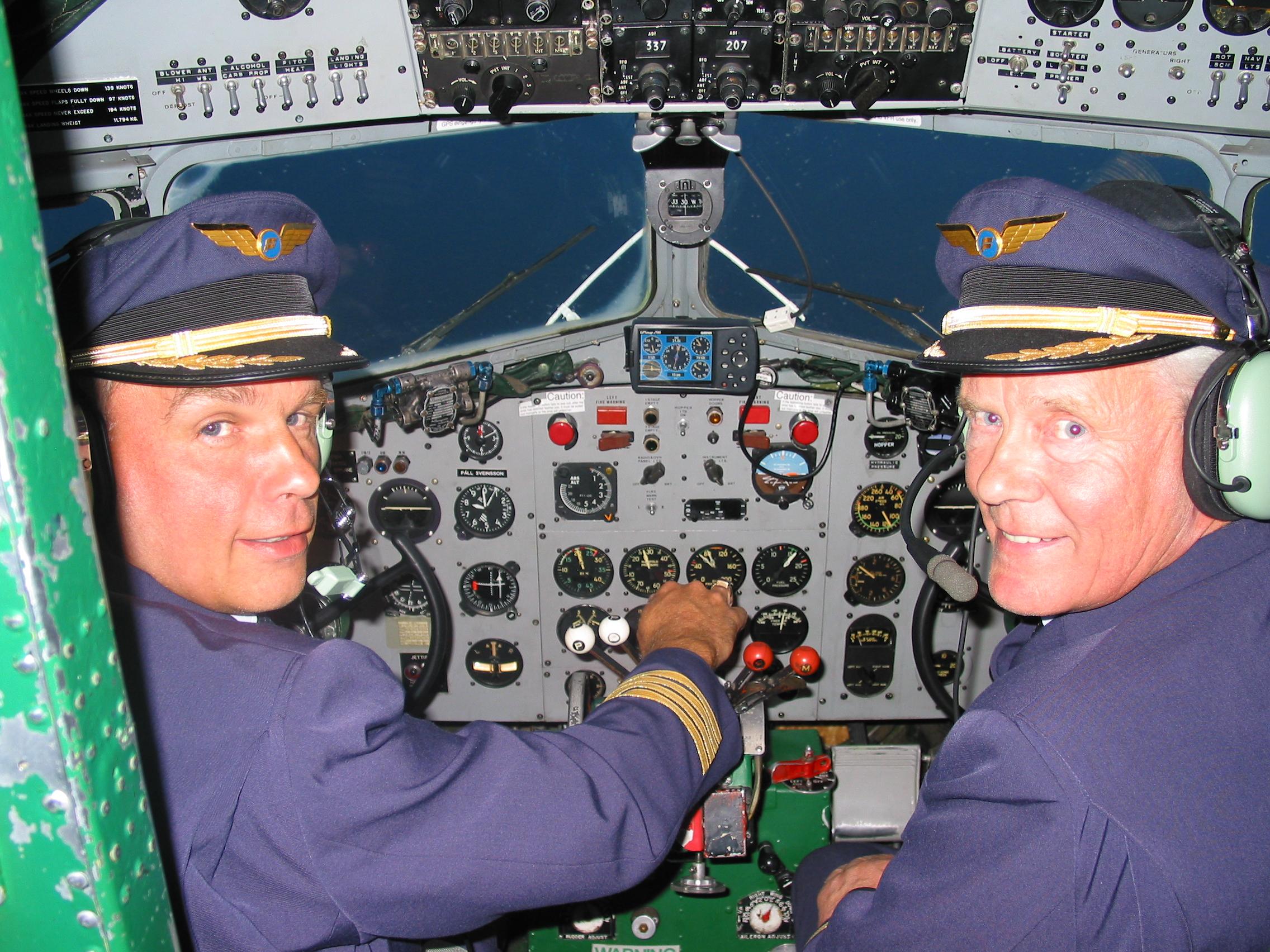 Tómas Dagur Helgason and Páll Stefánsson in DC-3 (TF-NPK) cockpit during flight from Stavanger to Keflavík // Source: Tómas Dagur Helgason