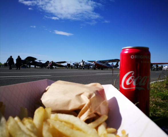 Picnic on a side of ground exhibition of Reykjavik Airshow 2019 // Source: Flugblogg