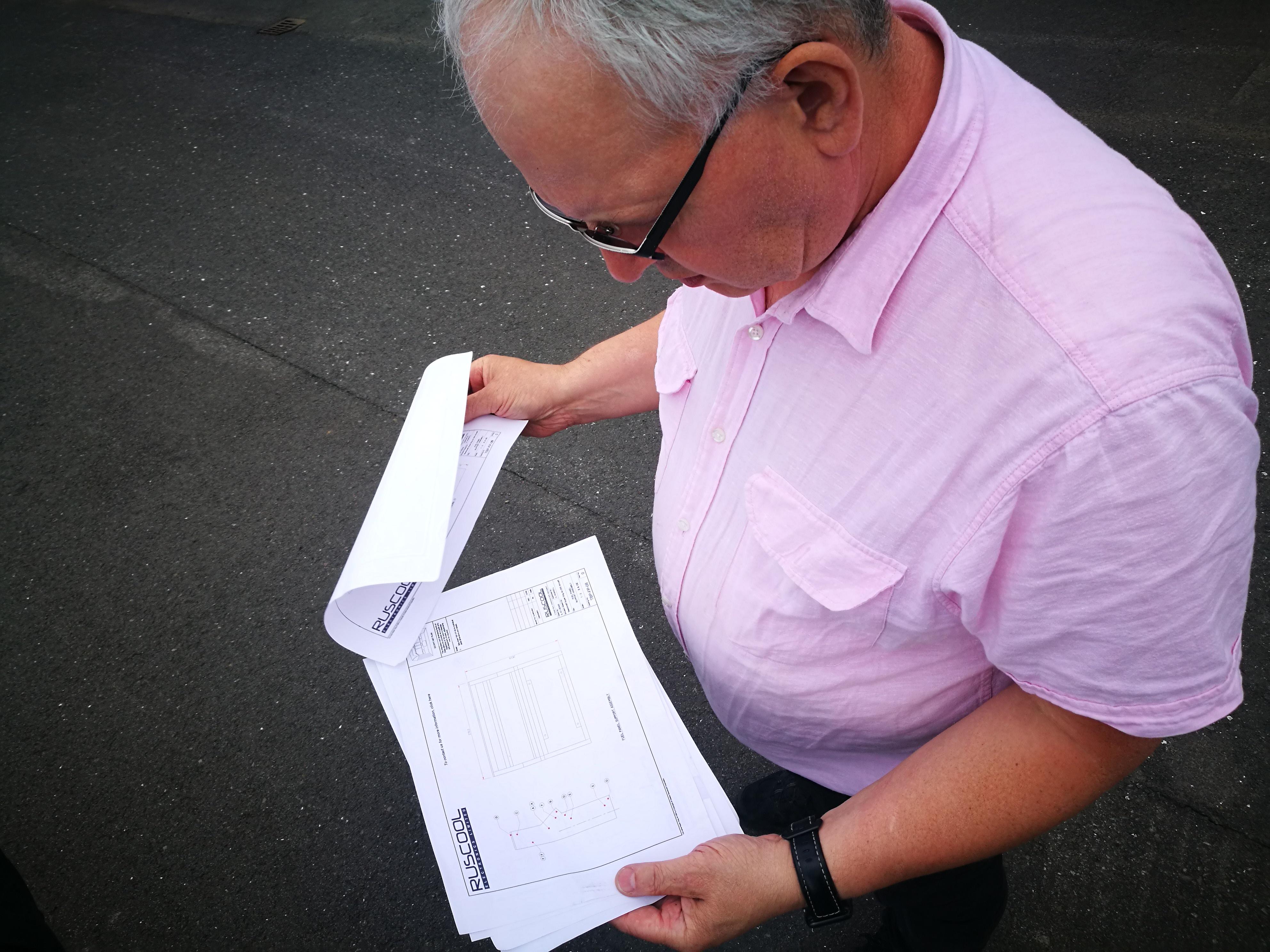 Böðvar Eggertsson checked the aircraft's schemes, sent him from New Zealand // Source: Flugblogg