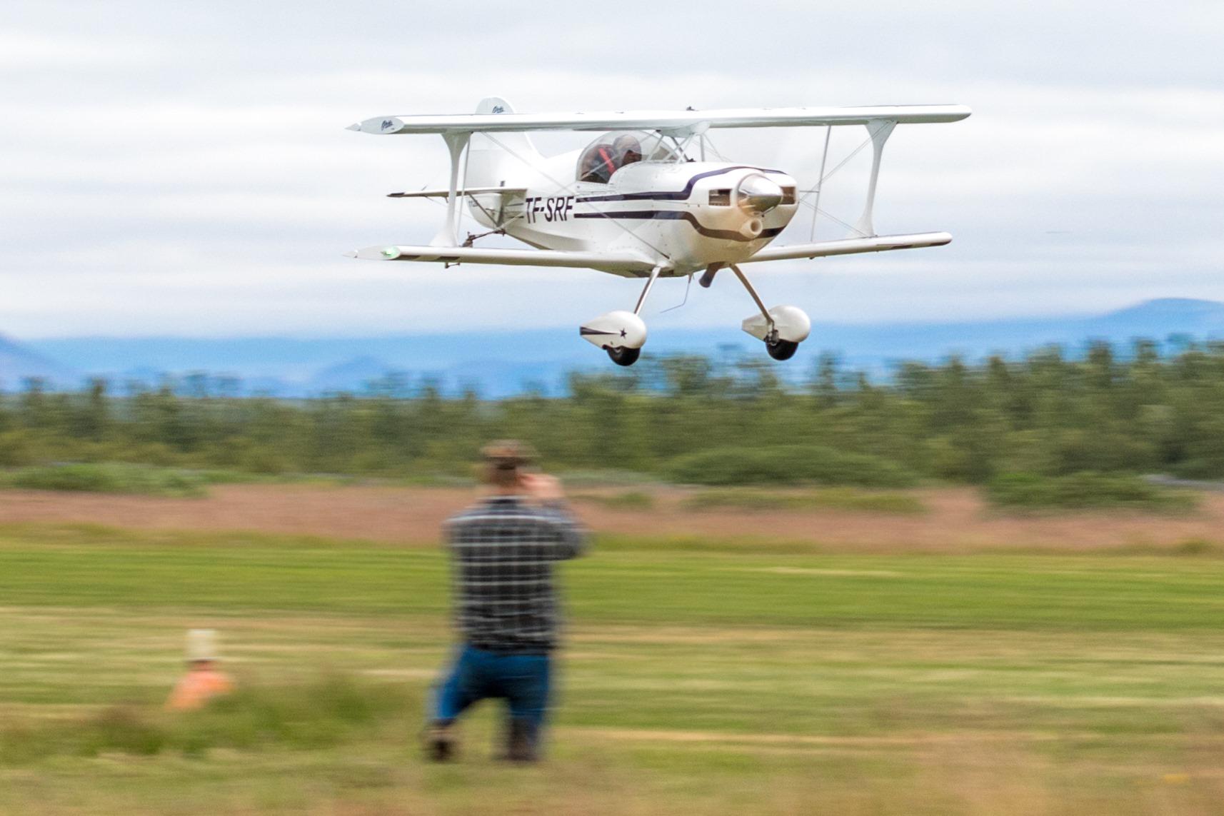 """Steingrímur Rafn Friðriksson is piloting Pitts S1SS TF-SRF on """"Allt sem flýgur 2019"""" in Hella // Source: Andres Thorarinsson"""