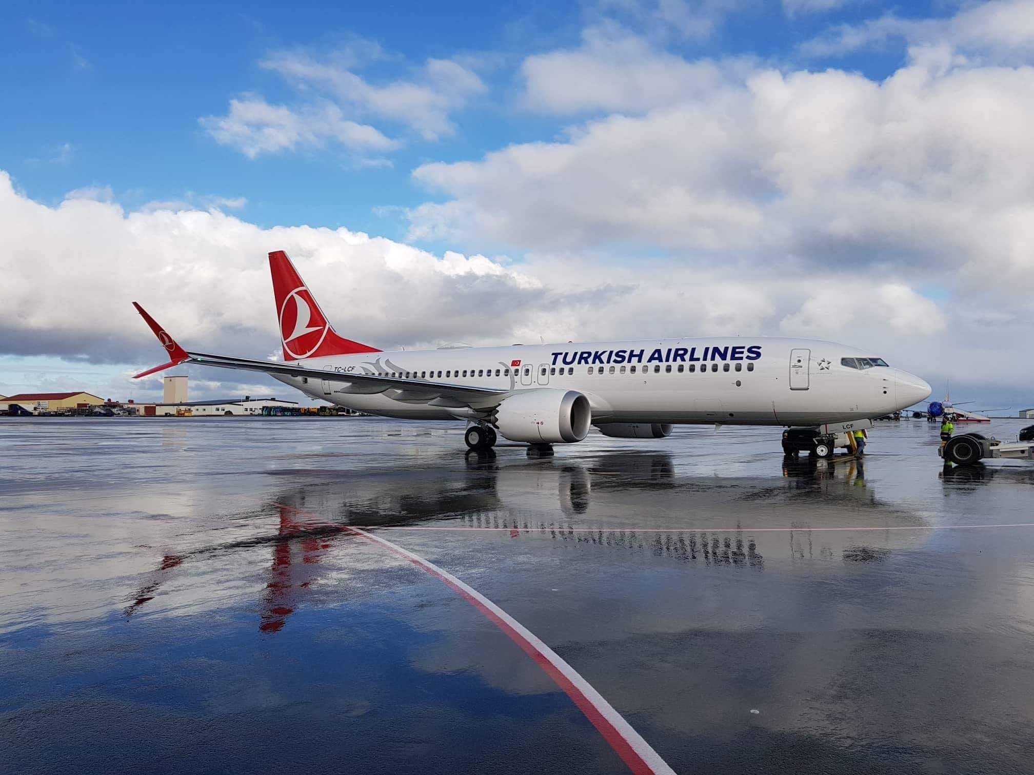 Fuel stop in Keflavik during ferry flight of Boeing 737 MAX 8 TC-LCF for Turkish Airlines // Source: Mārtiņš Zaķis