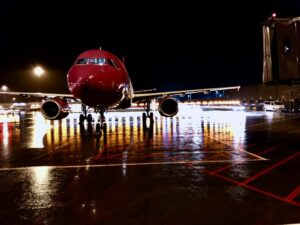 WOW air Airbus A321 TF-JOY in Keflavik // Source: Grzegorz Kuriata