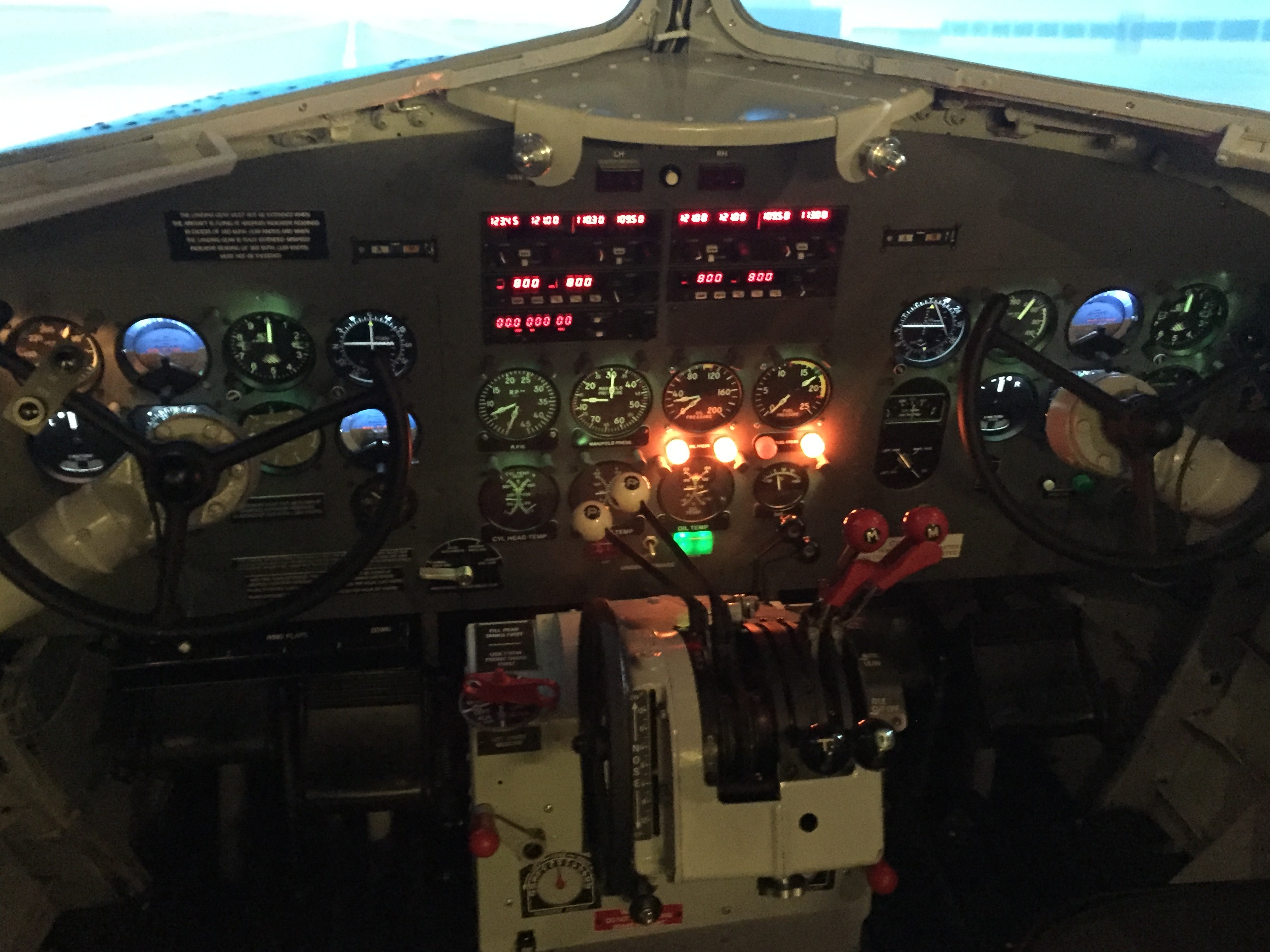 DC-3 simulator in Amsterdam , The Netherlands // Source: Tómas Dagur Helgason