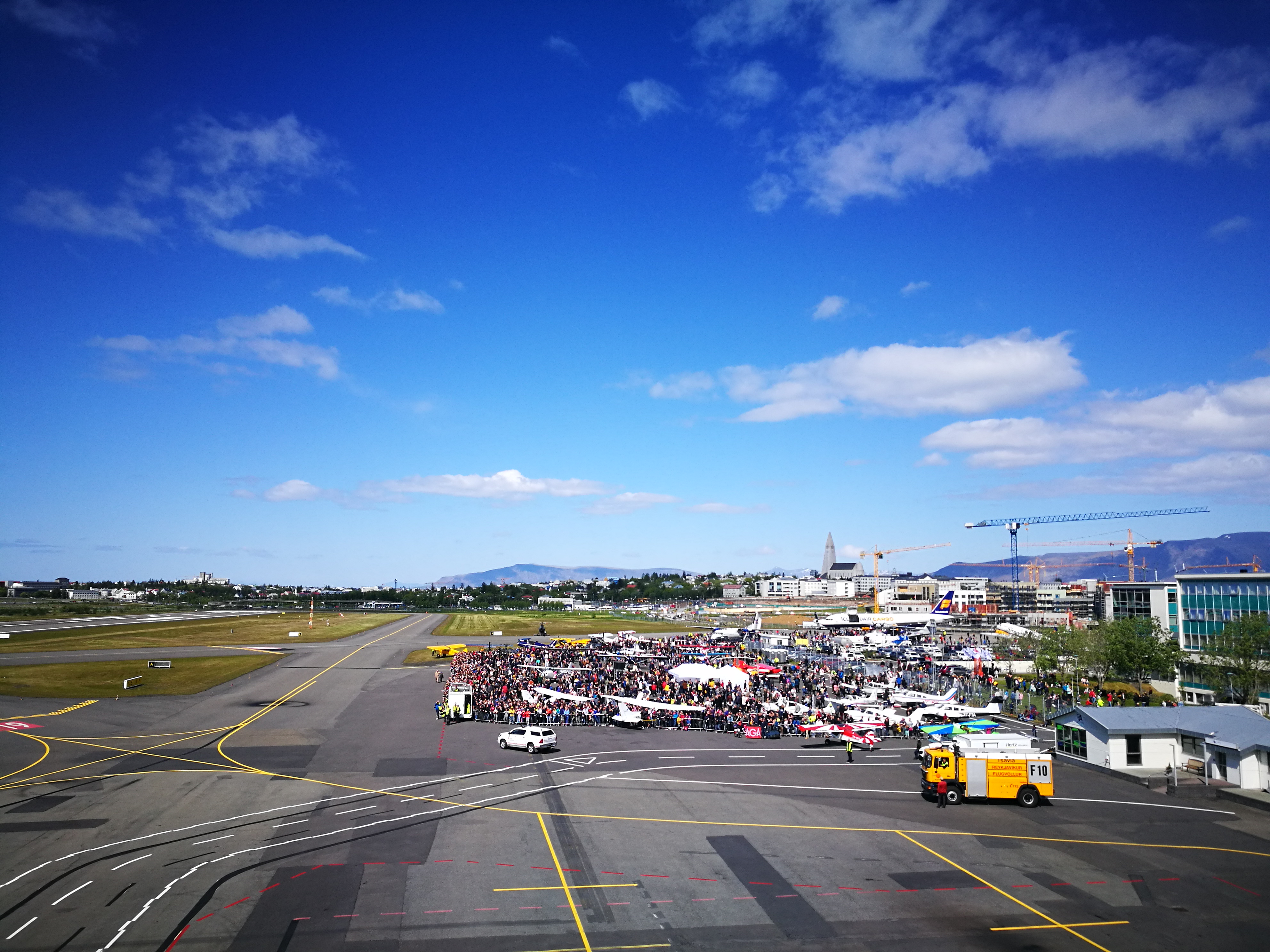 The general view on ground exhibition on Reykjavik Airshow 2019 // Source: Flugblogg
