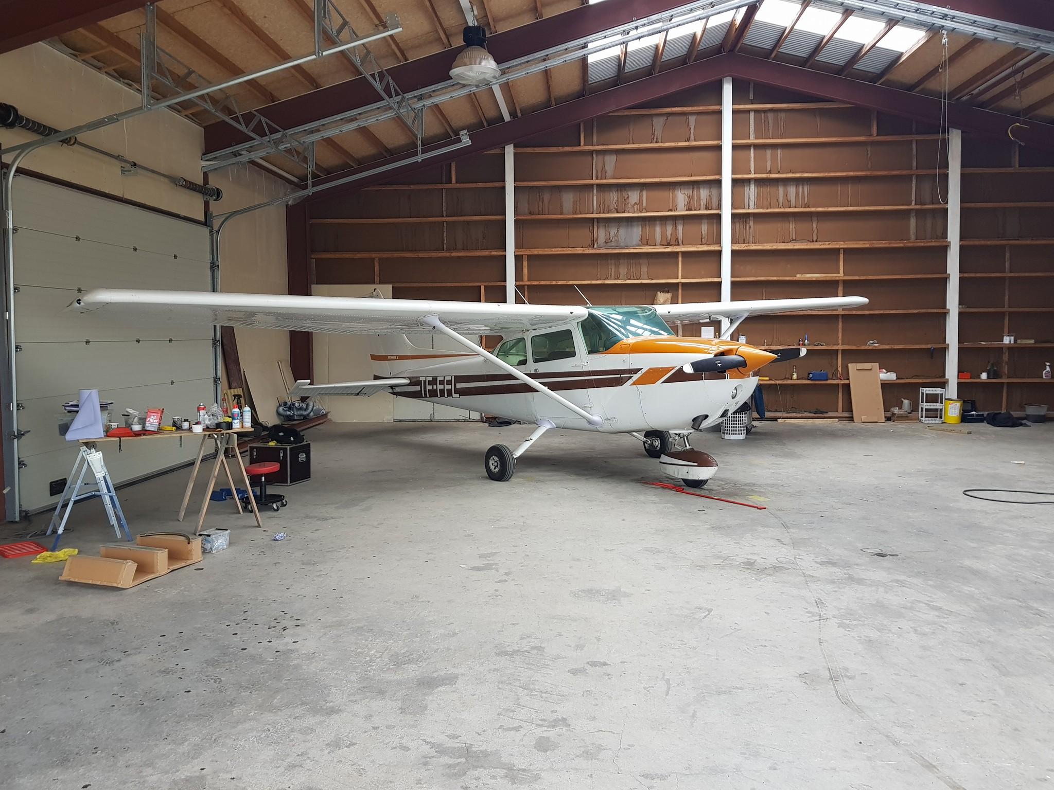 Reykjavik Flight Academy Cessna 172 reg. TF-FFL // Source: Vængir page on Facebook (Júlíus Björn Þórólfsson)