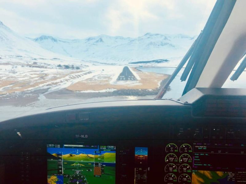 At the short final in Siglufjörður Airport (BISI) from the cockpit of Norlandair Beechcraft B200 reg. TF-NLB // Source: CEO of Circle AIr Thorvaldur Ludvik Sigurjonsson