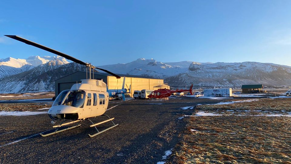 Atlantsflug Bell 206's with tail nubmers SE-HKC and SE-HZB // Source: Atlantsflug