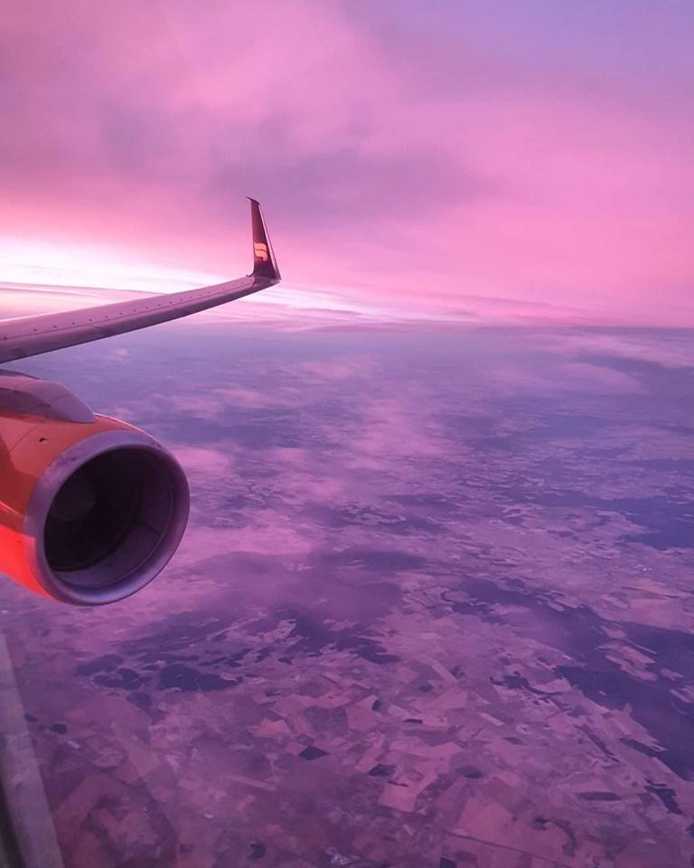 Wingview on Icelandair Boeing 757-200 reg. TF-ISR, during descending in Madrid (LEMD) as ICE594 from Keflavik (BIKF) // Source: Hannes Valdi Stefánsson