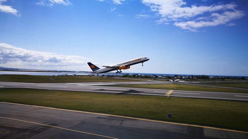 Icelandair Cargo Boeing 757 TF-FIG take off from Reykjavik airport (BIRK) during Reykjavik Airshow 2019 // Source: Flugblogg