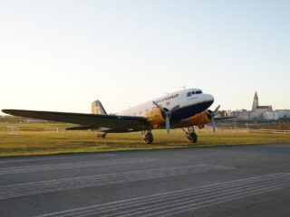 DC-3 Þristavinir Iceland (Icelandair) TF-NPK during sunset in Reykjavik (BIRK) // Source: Markus Fürst