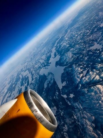 """Space view"" during a regular flight on Icelandair Boeing 757 // Source: Tomasz Wilisowski"