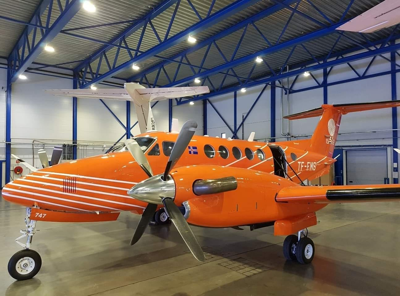 The first photo of Isavia Beechcraft King Air B200 reg. TF-FMS after obtaining the new orange livery in Reykjavik (BIRK) in February // Source: Ragnar Þór