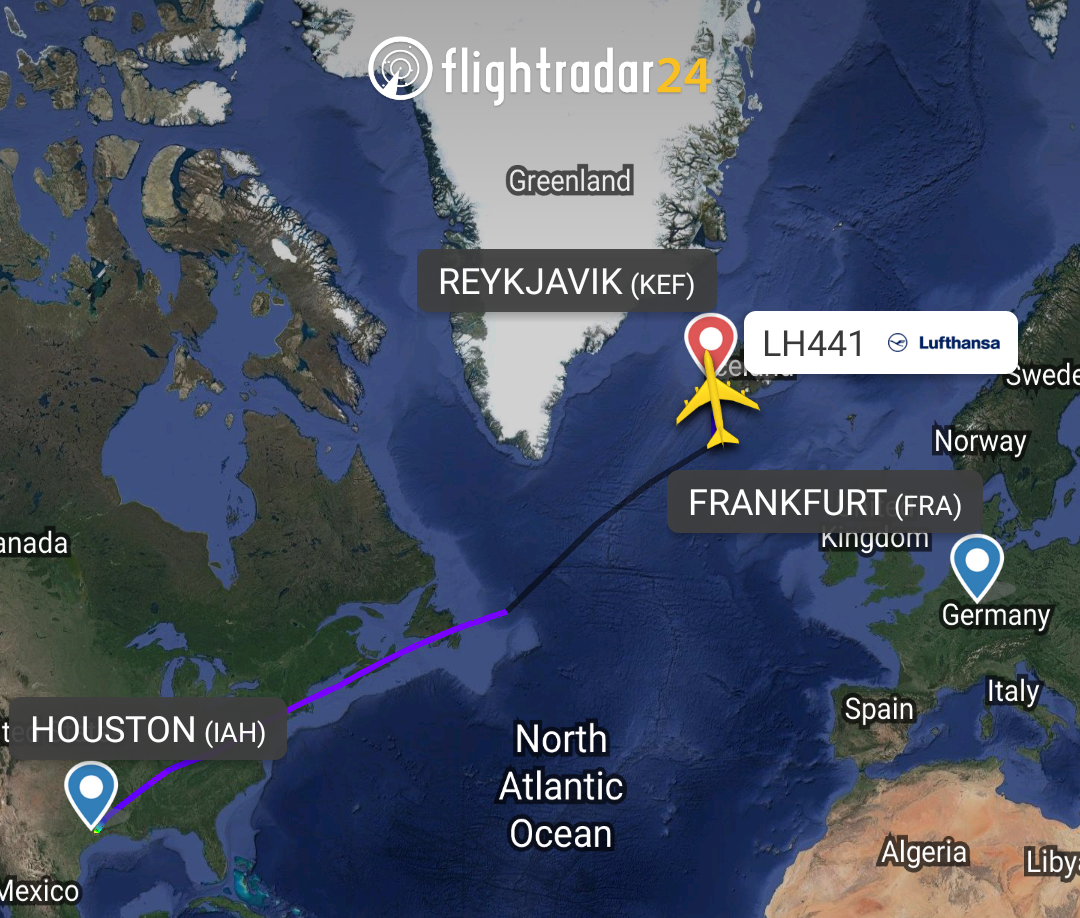 The flight path of Lufthansa Boeing 747-8i diverted to Keflavik // Source: Flightradar24