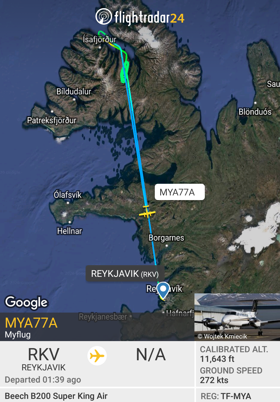 The flight path of Beechcraft B200 King Air reg. TF-MYA, performing Mýflug flight from Reykjavik to Ísafjörður // Source: Flightradar24