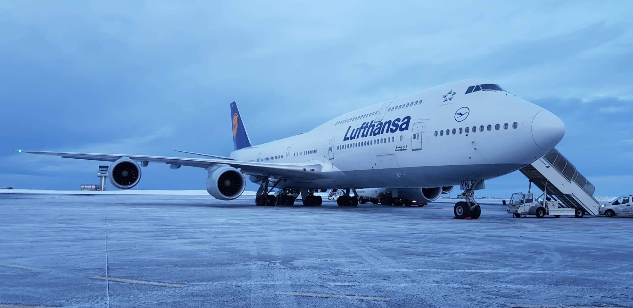 Boeing 747-8i reg. D-ABYN has diverted to Keflavik during Lufthansa flight DLH441 from Houston to Frankfurt // Source: Kamil Krzywdzinski