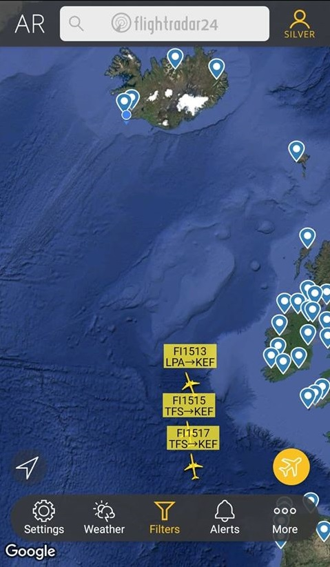 First three flights with evacuated Icelanders on the way from Tenerife to Keflavik // Source: Flightradar24