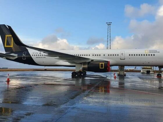 Icelandair Boeing 757-200 reg. TF-FIS with National Geographic livery in Keflavik // Source: Martin Zakis