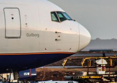 Icelandair Boeing 767-300ER reg. TF-ISW in Keflavik airport // Source: Ívan Elís