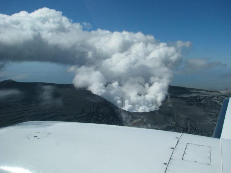 Eyjafjallajökull eruption 2010 from the plane // Source: Flightseeing.is