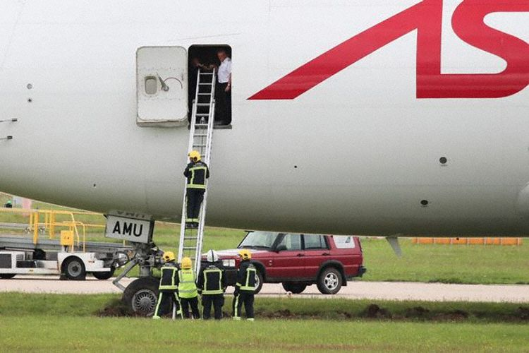 Astral Aviation (Air Atlanta Icelandic) Boeing 747-400 reg. TF-AMU excursed runway in Doncaster airport // Source: Avherald.com