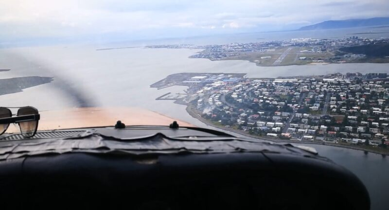 Approaching Reykjavik airport // Source: Flugblogg