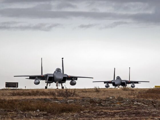 86-0175 and 86-0176 the US Air Force F15 taxi to runway 02 in Keflavik // Source: Karl Georg Karlsson
