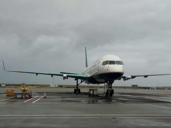Icelandair Boeing 757-200 reg. TF-ISJ without engines in Keflavik // Source: Flugblogg