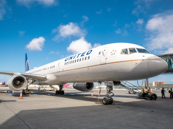 United Airlines Boeing 757 in Keflavik airport // Source: Isavia